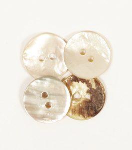 Gumb Drops 521 zasvođeni bijeli 15 mm sedef